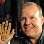 Lee Berger és MH1 keze